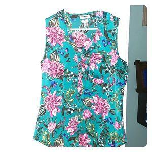 Worn 1x only sleeveless flower express blouse